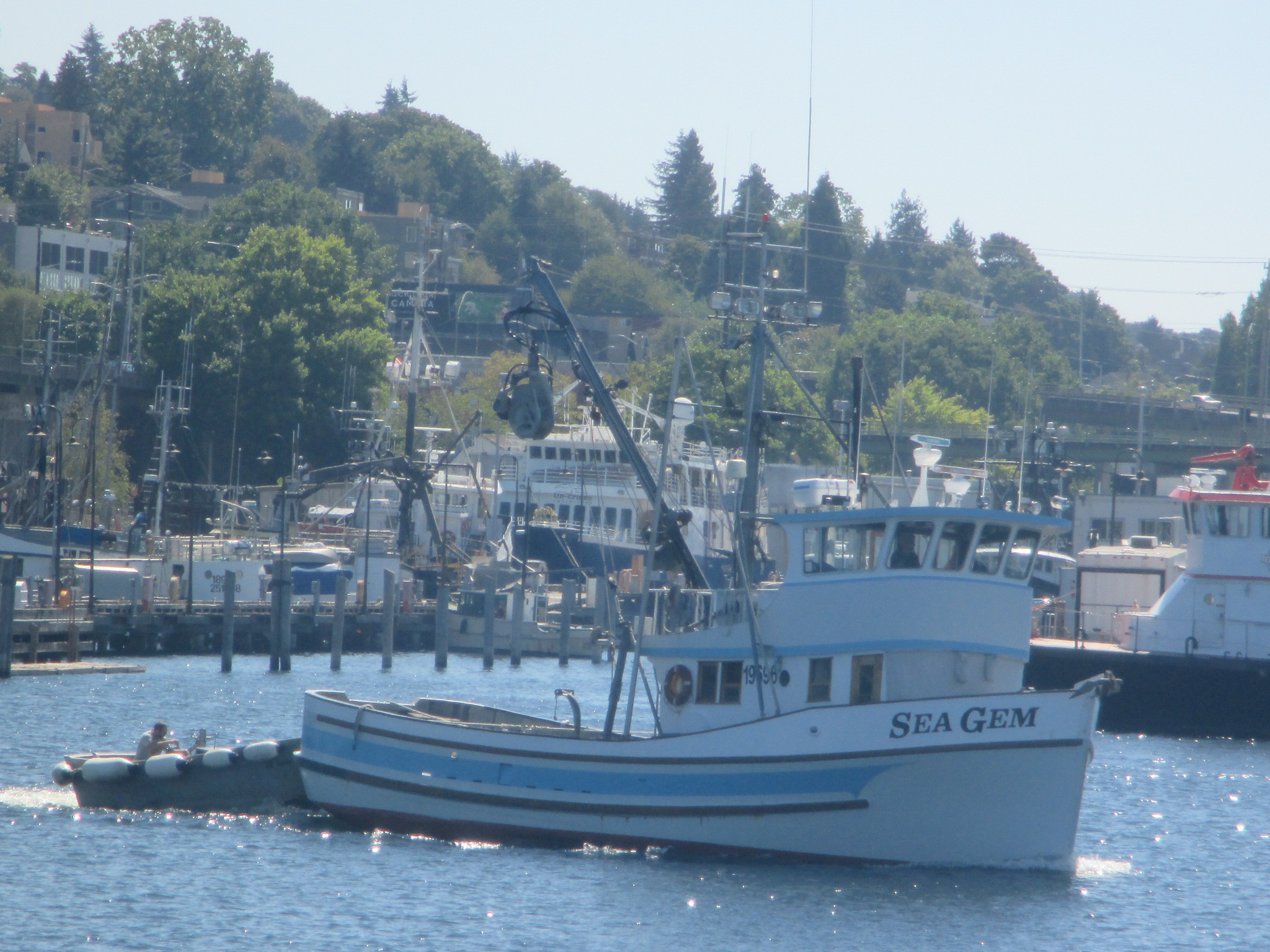 F v sea gem se ak seiner seattle ship canal salty dog for Fishing boats seattle