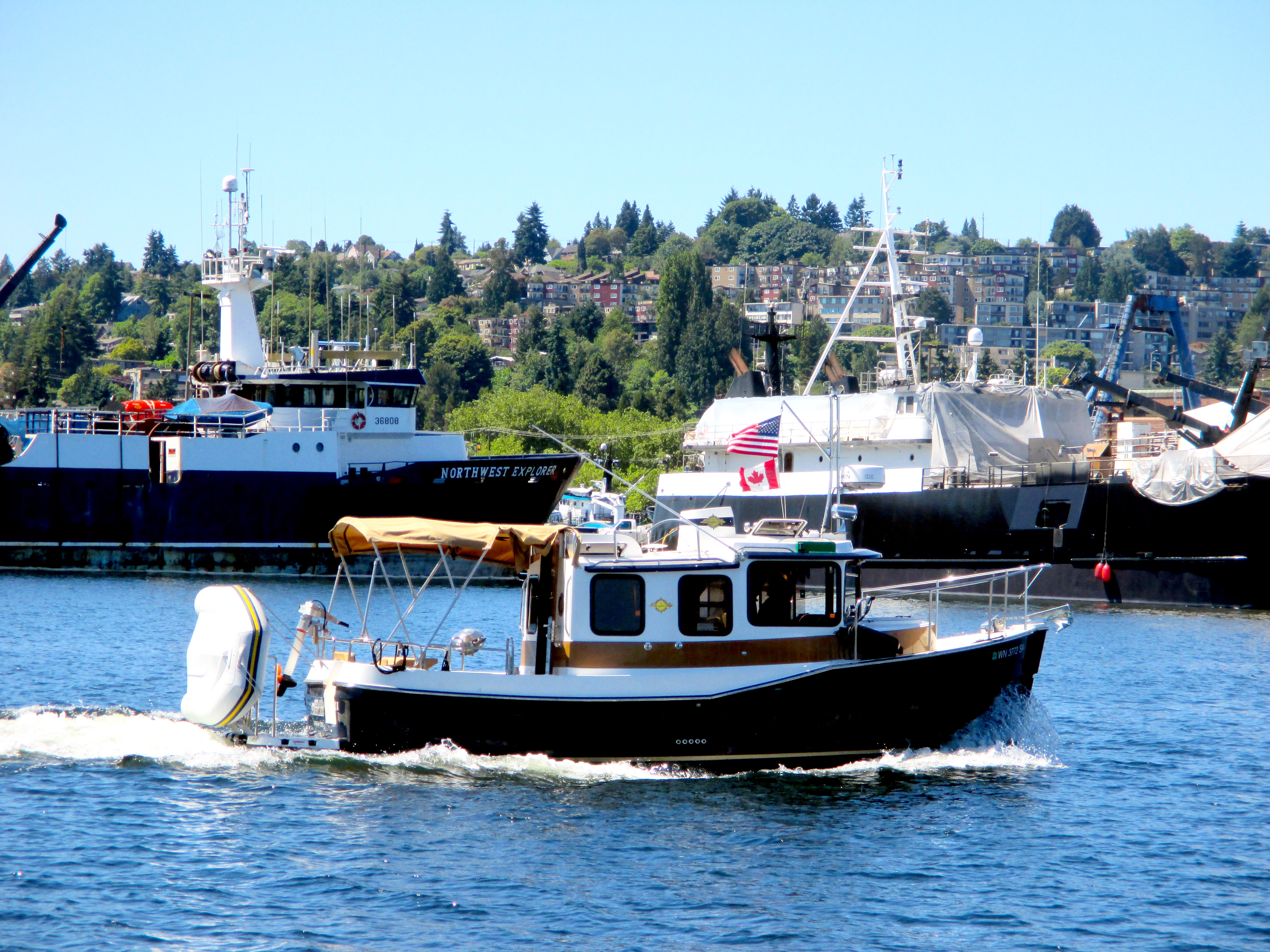 Nw powerboats salty dog boating news ballard seattle for Fishing boats seattle
