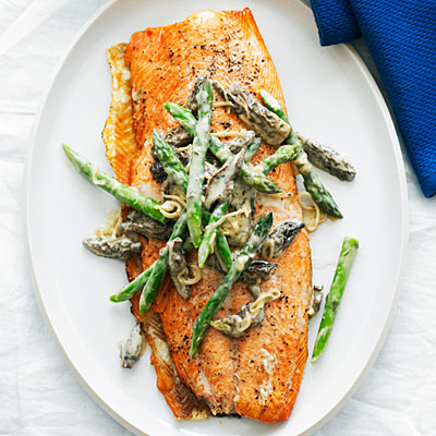 salmon-asparagus-morels-0610-l